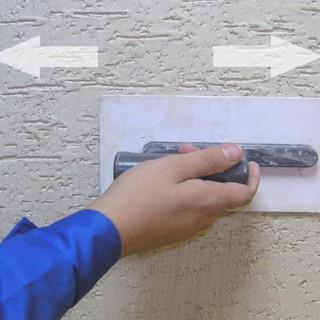 Приготовление и нанесение декоративной штукатурки короед на стены своими руками