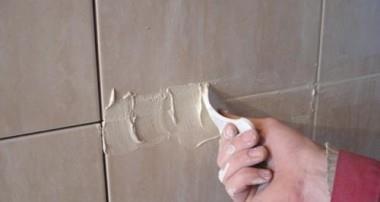 Затирка плиточных швов в ванной своими руками. Как выбрать цвет и определить расход.