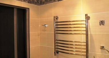 Так какой водяной полотенцесушитель все-таки лучше купить в ванную?